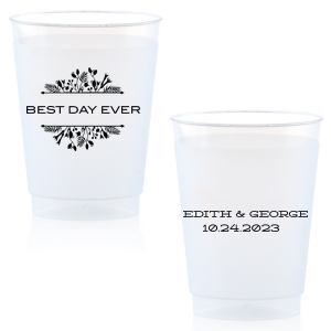 Customize this cup and dress up your drinks with this fetching Floral Frame design at your wedding reception bar. They will also double as fantastic personalized party favors!
