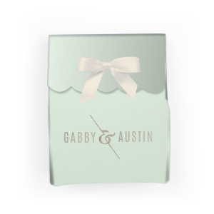 ForYourParty's elegant Shiny Sterling Silver Cake Box with Shiny Sterling Silver Foil Color has a Accent Ampersand graphic and is good for use in Couple, Wedding themed parties and will look fabulous with your unique touch. Your guests will agree!