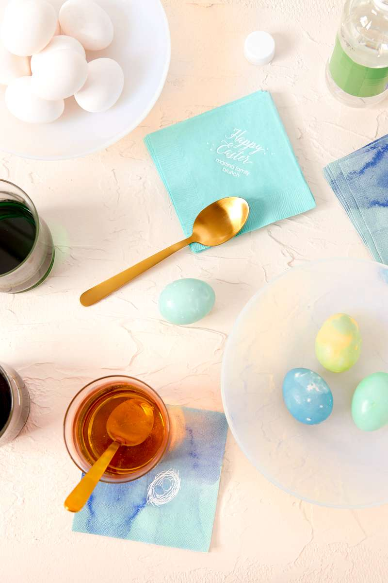 How to dye an Easter egg