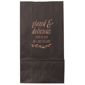 The ever-popular Ivory Party Bag with Shiny Rose Gold Foil has a Branch 4 graphic and is good for use in Floral and Dessert themed parties and are a must-have for your next event—whatever the celebration!
