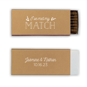 Our personalized Natural Kraft Classic Matchbox with Matte Chocolate Foil couldn't be more perfect. It's time to show off your impeccable taste.