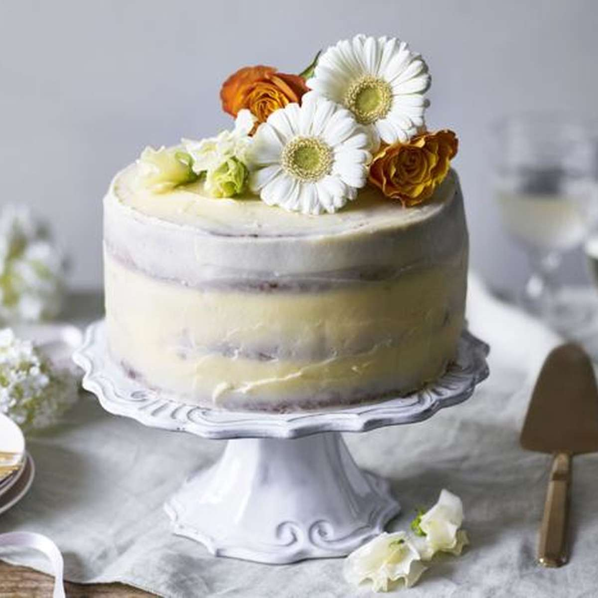 lemon elderflower cake inspired by royal wedding via BBC