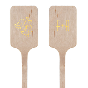 Our personalized Shiny 18 Kt Gold Rectangle Stir Stick with Shiny 18 Kt Gold Foil Color has a Love Birds 2 graphic and is good for use in Animals, Wedding themed parties and will give your party the personalized touch every host desires.