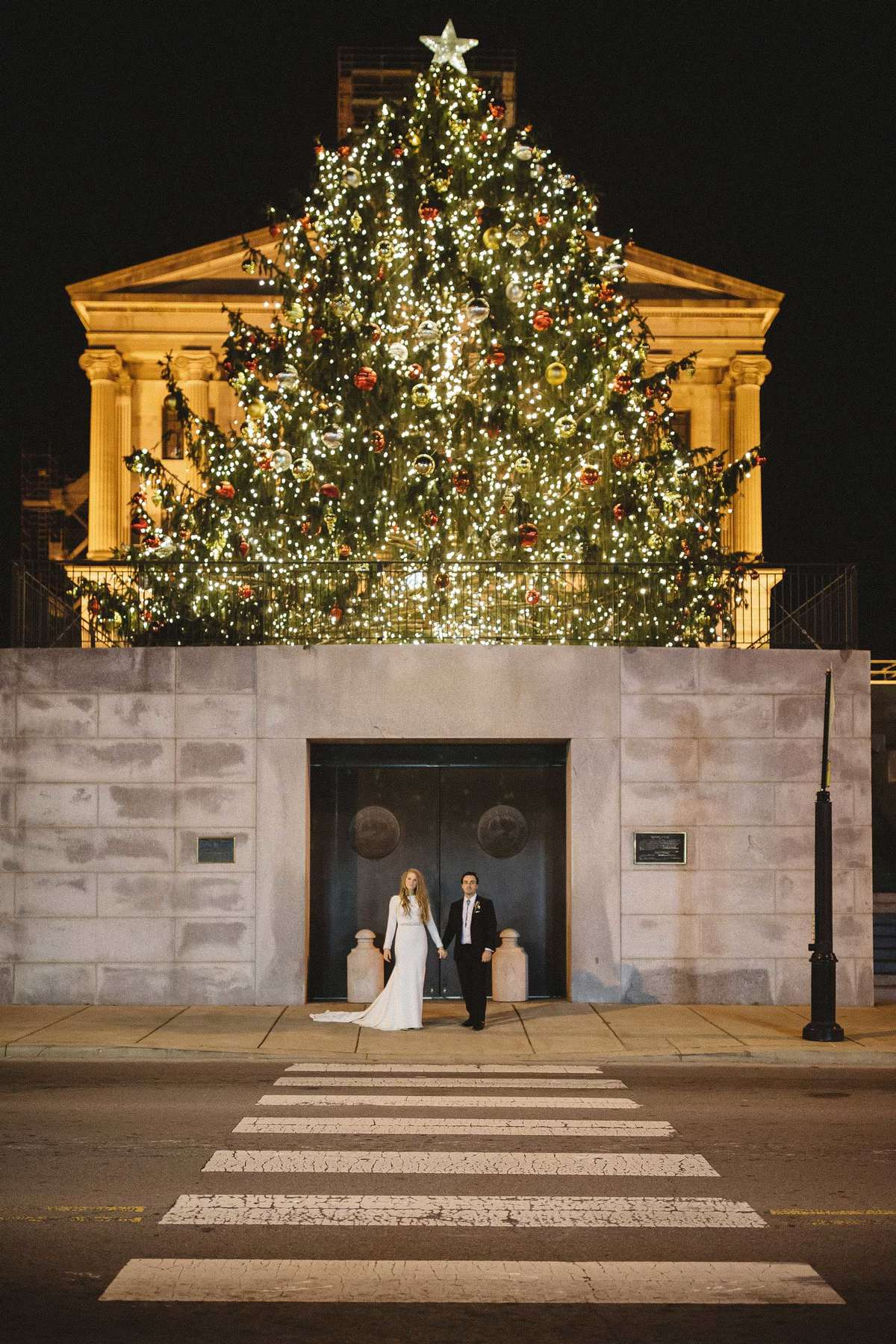 urban wedding photoshoot at christmas
