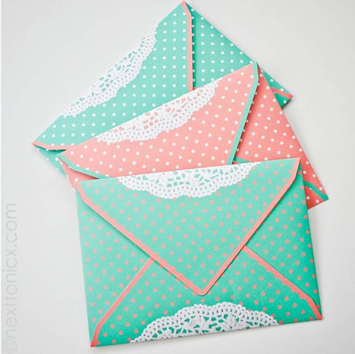 Doily envelope DIY