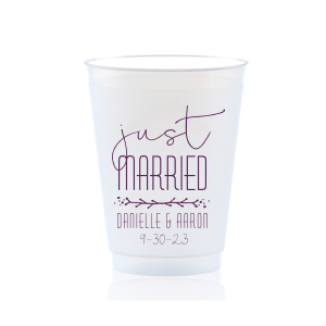 ForYourParty's chic Matte Eggplant Ink 24 oz Frost Flex Cup with Matte Eggplant Ink Cup Ink Colors has a Leaf Vine graphic and is good for use in Frames themed parties and can't be beat. Showcase your style in every detail of your party's theme!