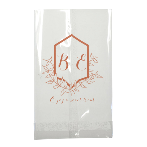 Feature your initials in our leafy Crest graphic for a beautiful, nature inspired party addition. Include these custom bags on your wedding dessert bar or send something special home with guests for a personalized party favor.