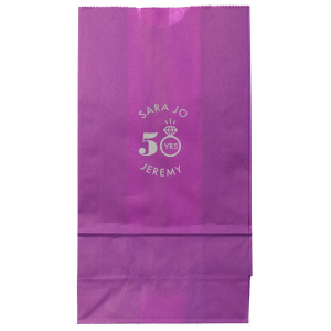 The ever-popular White Goodie Bag with Shiny 18 Kt Gold Foil Color has a Diamond Ring graphic and is good for use in Anniversary themed parties and can be personalized to match your party's exact theme and tempo.