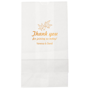 The ever-popular Kraft Brown Lunch Bag with Shiny Merlot Foil has a Thanksgiving graphic and is good for use in Holiday themed parties and can be customized to complement every last detail of your party.