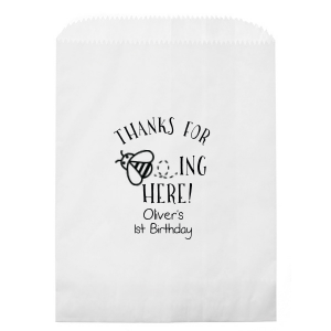 Our custom Yellow Goodie Bag with Matte Slate Gray Foil has a Bumble Bee graphic and is good for use in Animals, Baby Animals, Baby Shower and Kid Birthday themed parties and will look fabulous with your unique touch. Your guests will agree!