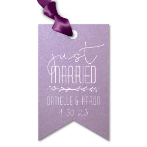 ForYourParty's chic Stardream Lavender Luggage Gift Tag with Matte White Foil has a Leaf Vine graphic and is good for use in Frames themed parties and will give your party the personalized touch every host desires.